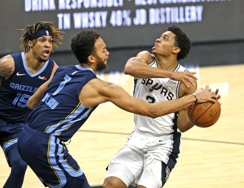NBA树獭、最慢之人!凯尔安德森以慢打快,篮球场树獭的有趣节奏