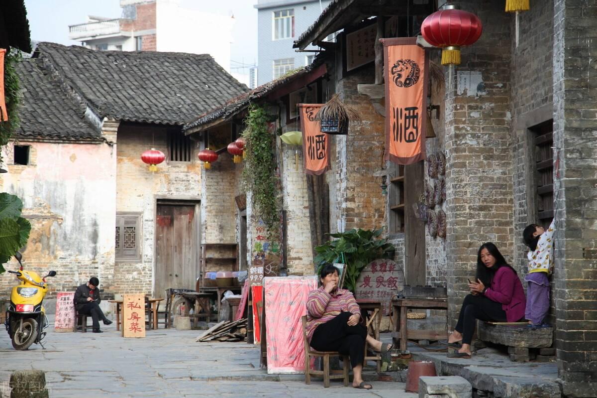 原创             这四个国内非常小众的小古镇,最适合一个人去发呆了