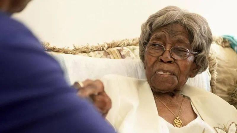"""美国最长寿老人去世,儿孙数量超300个!她的长寿""""秘诀""""是什么"""