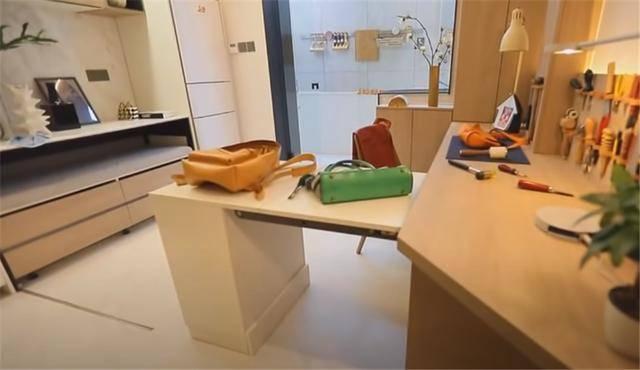 一家四口蜗居北京35㎡半地下房,终日无光,洗菜做饭全在卫生间?  第25张