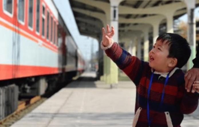 孩子买火车上40元盒饭 被妈妈骂到哭 孩子的自尊值多少钱?-家庭网