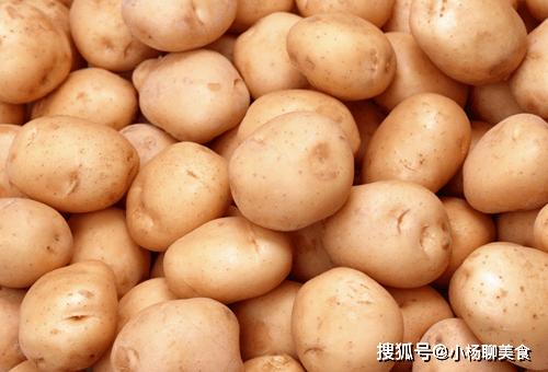 吃完土豆一个小时内,不要碰此物,还有很多人不清楚,早知早受益