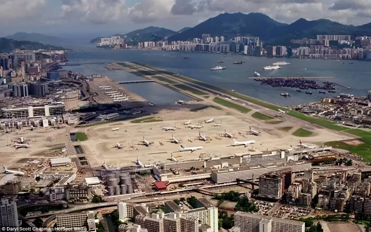 自建成起火遍全网,吸引一众摄影师打卡的香港启德机场有何魅力