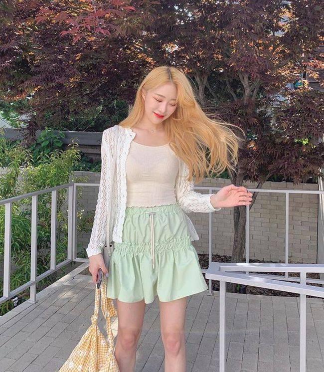 【春夏颜色搭配时尚】春夏这4种颜色穿搭,时髦爆了!