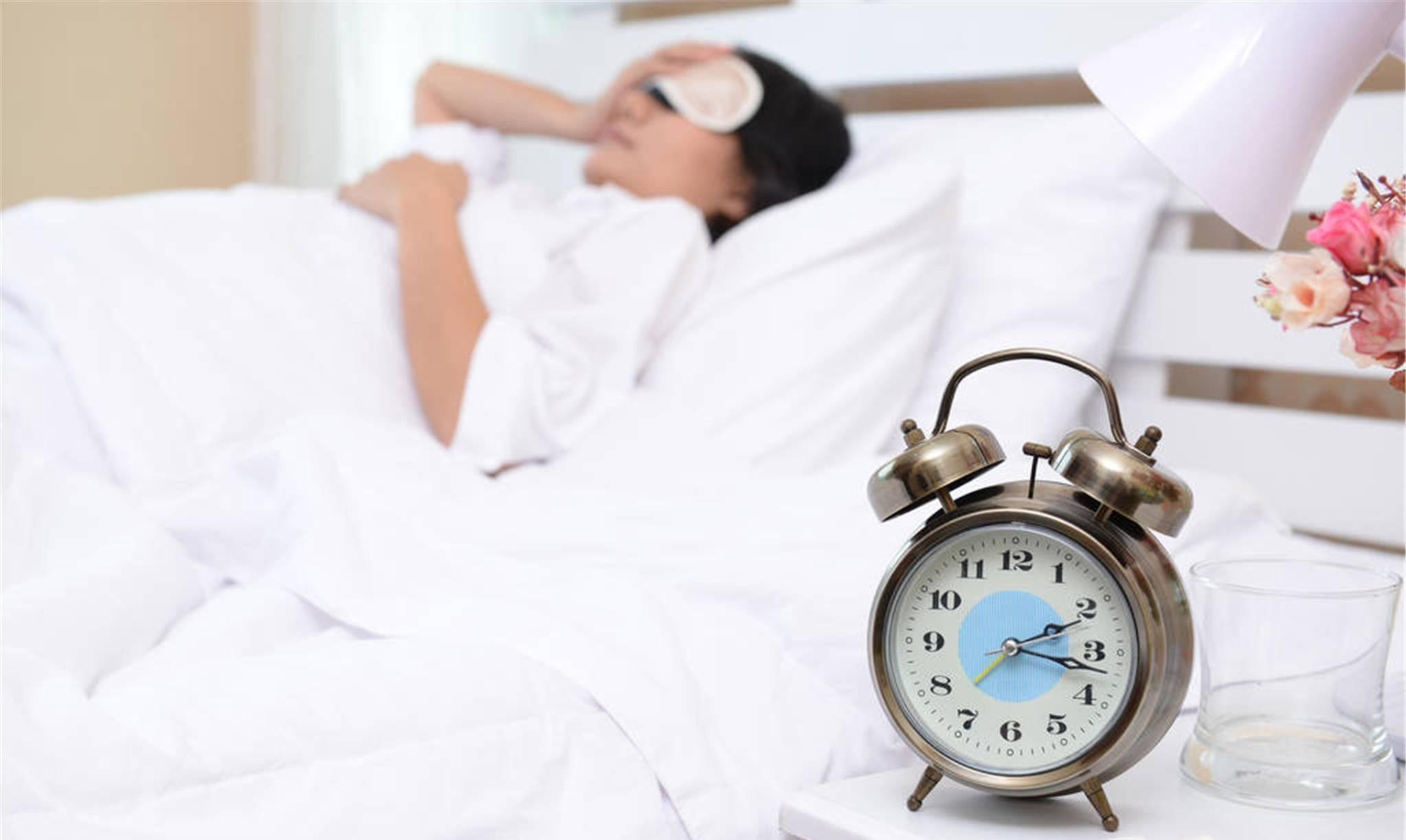 食疗和穴位按揉可解 失眠、醒来就睡不着  睡不着按摩哪里最管用