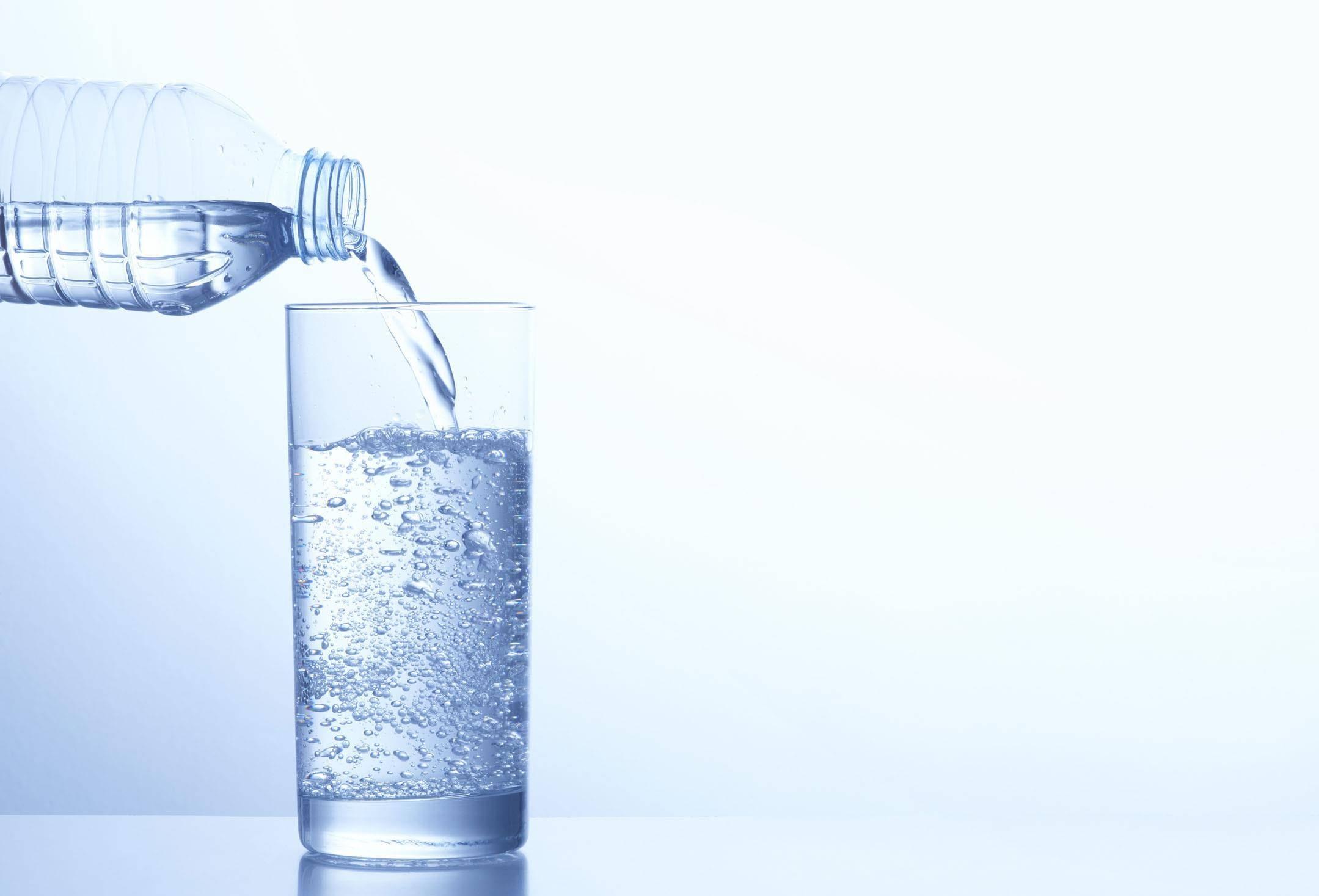 苏打水调节胃酸的原理_名仁苏打水
