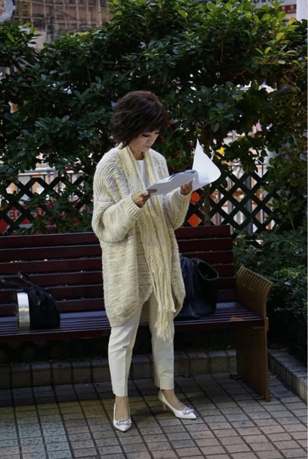 米雪刻意化浓妆,精致的装扮后面尽显衰老,反倒没有自然好看!