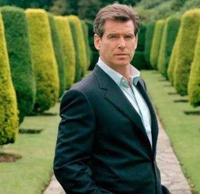 """强森《黑亚当》即将开拍,网传电影迎来""""007""""加盟"""