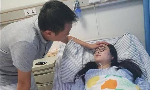 23岁孕妇剖腹产子,谁料孩子被抱出来后,爸爸噗通跪倒在地-家庭网