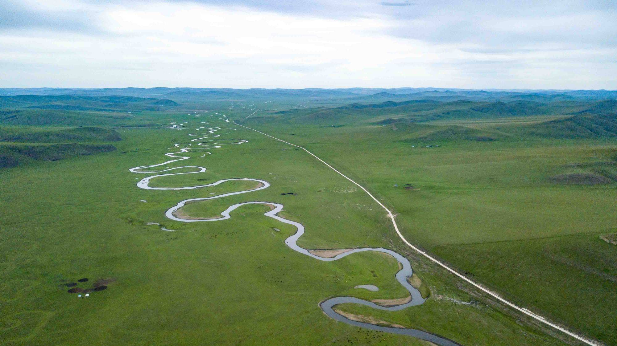 我国超美的一条河,流经呼伦贝尔大草原,六七月的风景美成仙境!