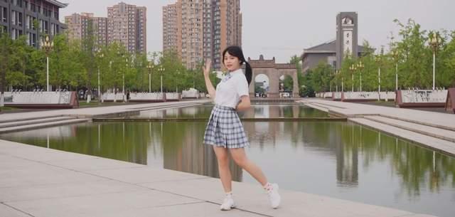 图片[1]-985高校拼招生!四川大学放出cos舞台剧,动漫社年龄比新生还大-妖次元