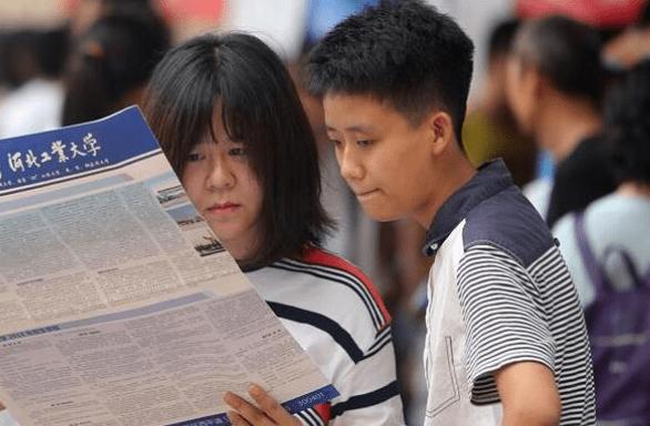 一半的初中生或无缘高中,近90%的高中生却能上大学?