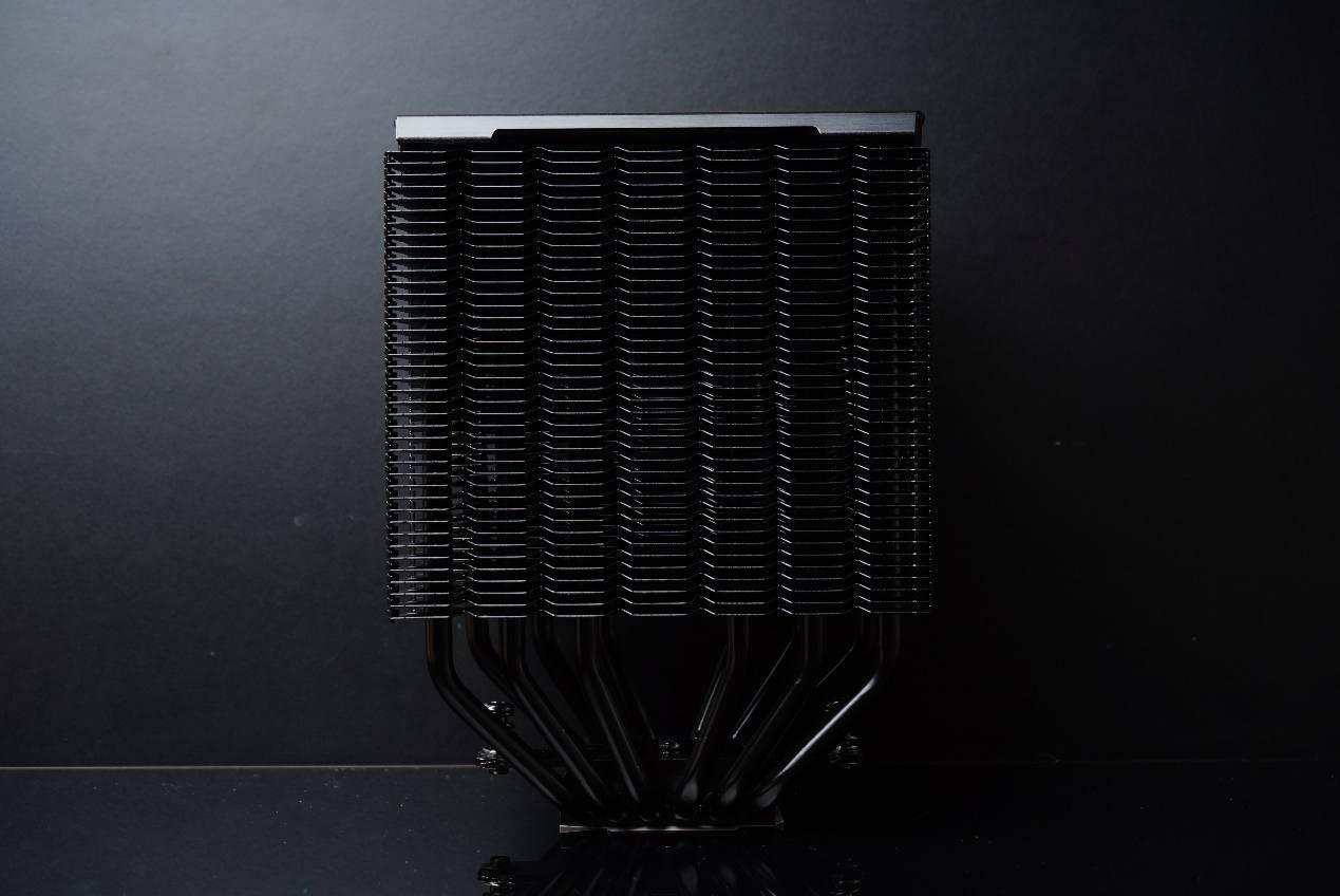 再最佳化的扣具,更強的風扇,革新的顏值,九州風神大霜塔PRO來了!