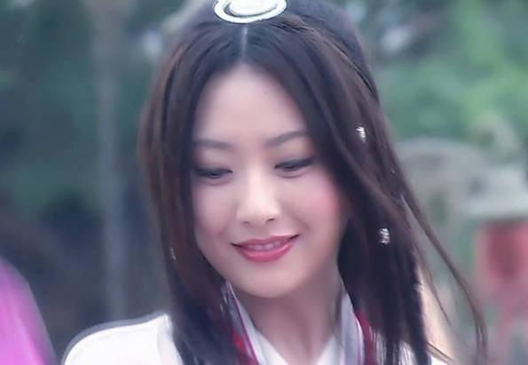 《神话》中的选角,白冰很漂亮,但是张萌的虞姬更让人念念不忘