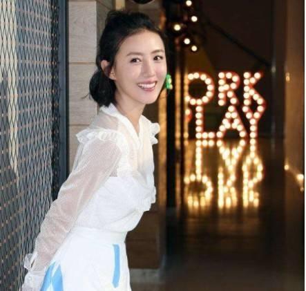 她是张丰毅儿媳,吕丽萍对她宠爱有加,婚后却片约不断