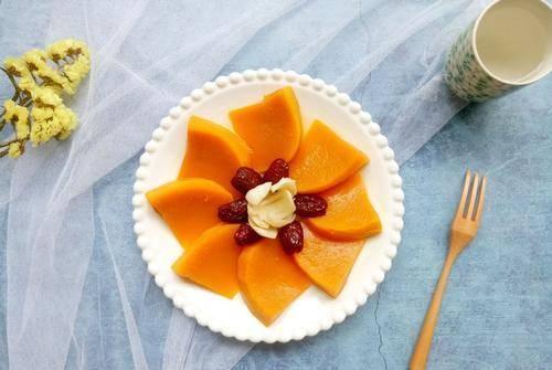 老南瓜味道甜美,搭配紅棗一起蒸,低脂還健康