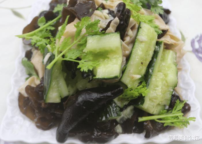 美味腐竹的花樣吃法,清淡低脂,酸爽開胃,不錯的下飯涼拌菜