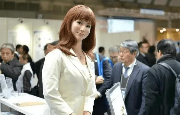 日本女机器人火了,皮肤触感和真人一样