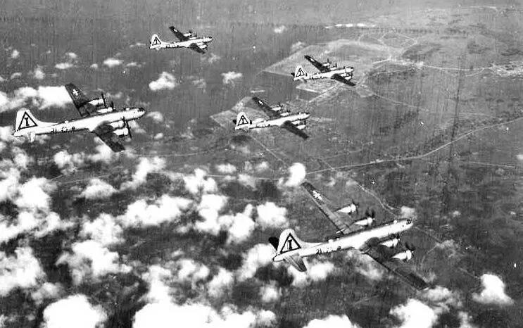 二战美军轰炸东京,其伤亡人数为何超越广岛原子