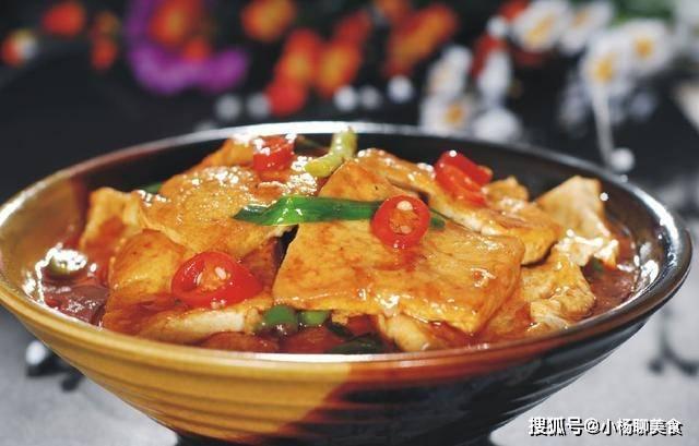 原創             煎豆腐總是碎成渣,還有股豆腥味,五星酒店大廚教你一招完美解決