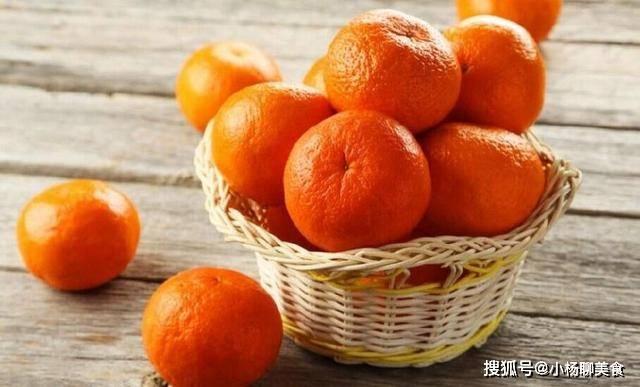 原創             買橘子時,別傻傻只挑金黃色的,記住這3個竅門,保准一挑一個甜