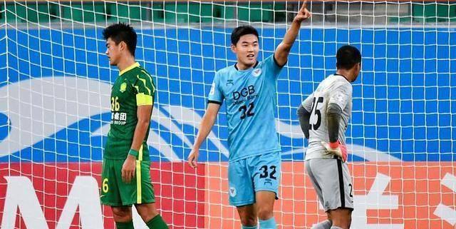 中国足球遭1-16打击,射门1-32,被日本韩国轮番羞辱_比赛
