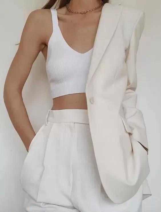 2021夏季女生穿什么内衣舒服又好看?选对内衣才能让夏日穿搭更清爽更时髦
