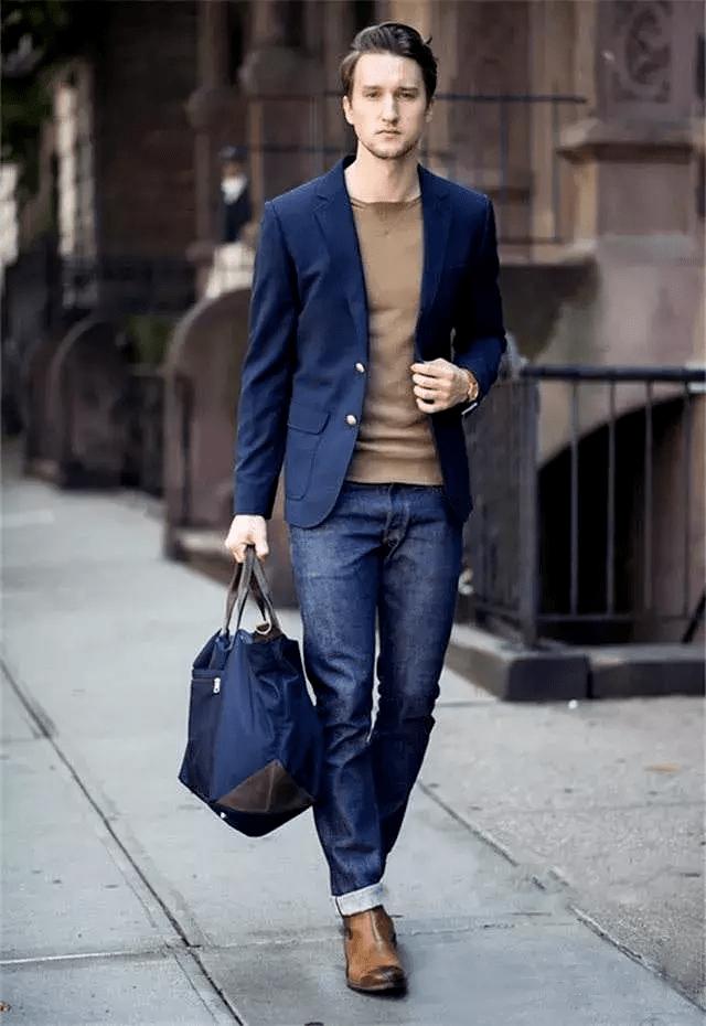西装搭配牛仔裤 教你穿出时尚型男感~