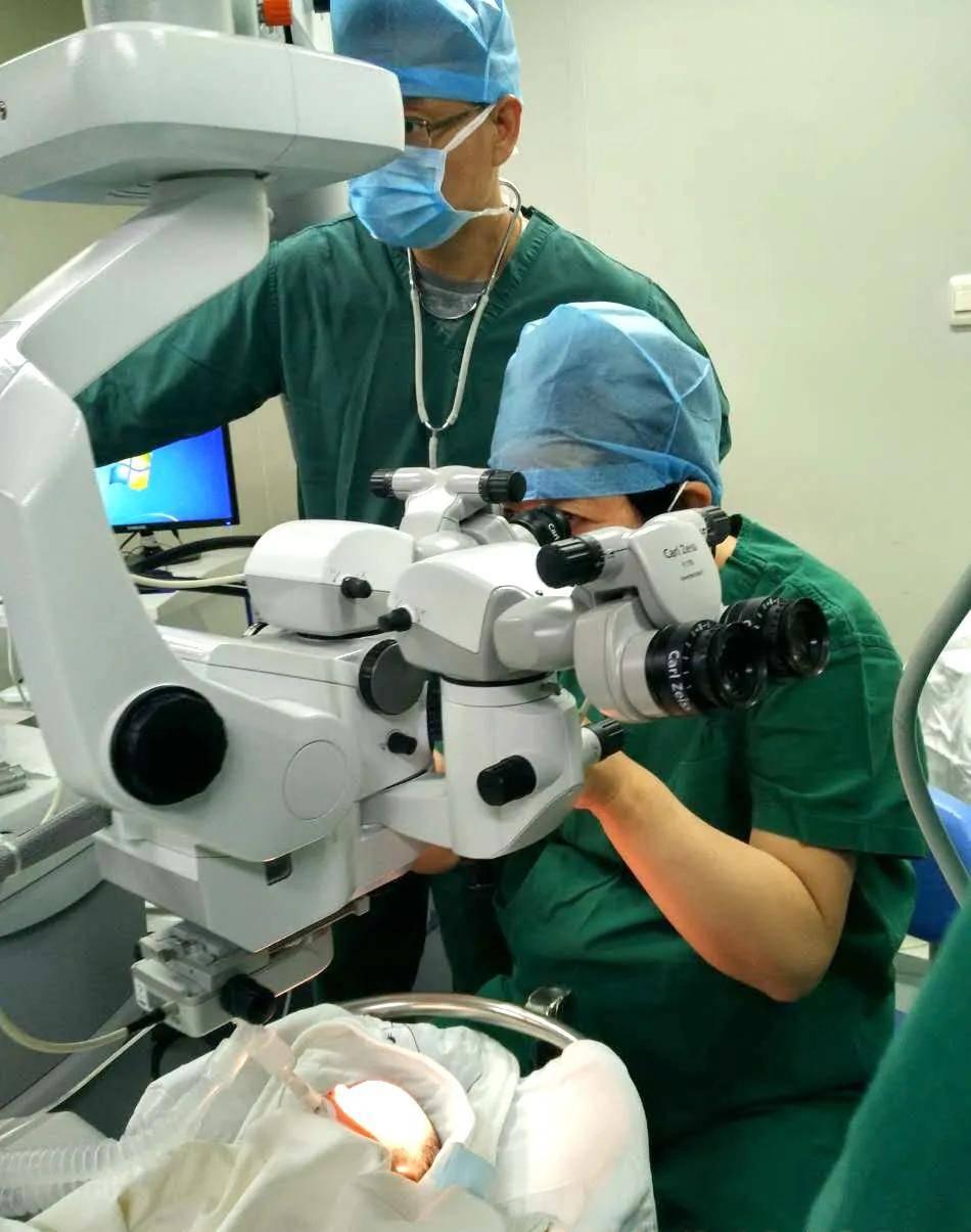 提早出生的宝宝眼神时常不在你身上 可能是早产儿视网膜病变 很多爸妈不知道-家庭网