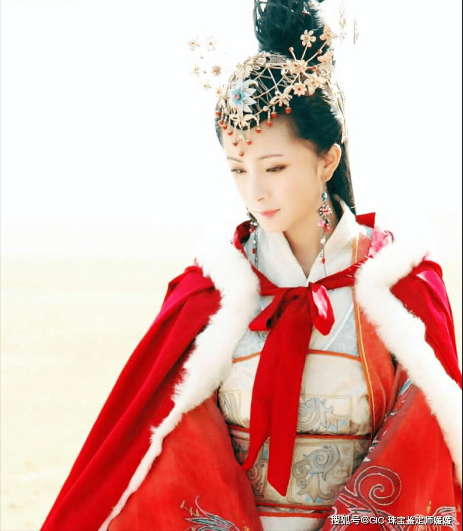 自古珠宝配美人,古代的四大美人美貌绝世,却也离不开首饰的美化