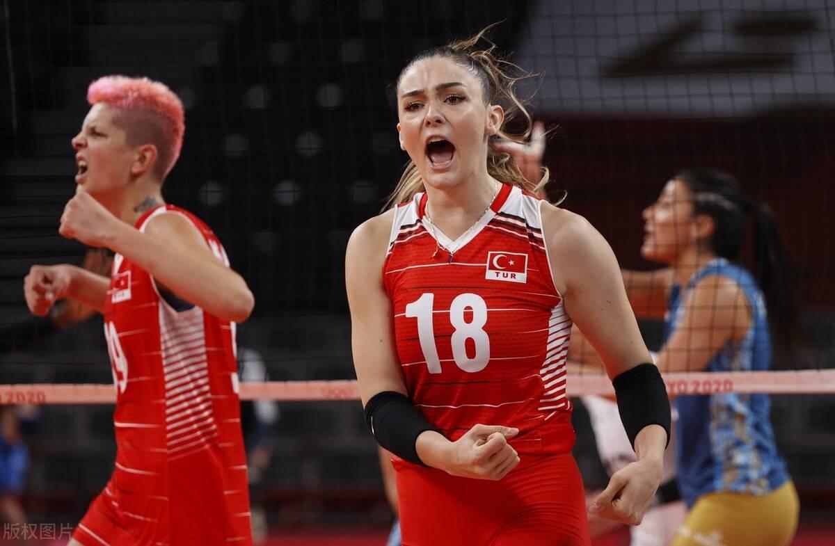 中国女排3连败+提前2场出局,球迷不忍责怪:女排精神不能丧失!_皇家88登录