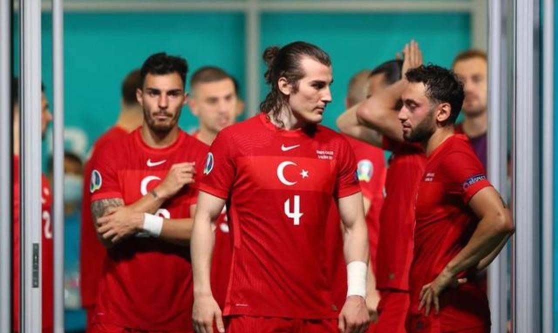 0-2!土耳其欧洲杯2连败,一夜刷爆40年耻辱,基本宣告出局?