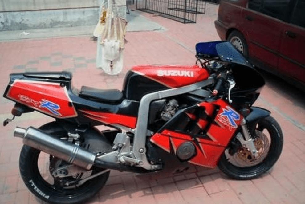 80年代400cc三剑客之一!日系品质+四缸引擎,59匹