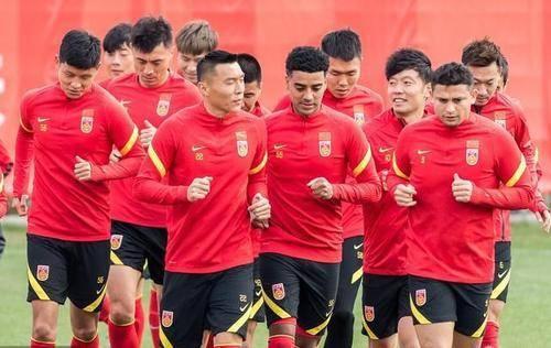 反转!中国足球传来坏消息:世预赛恐迎来巨变,李铁遭重大打击