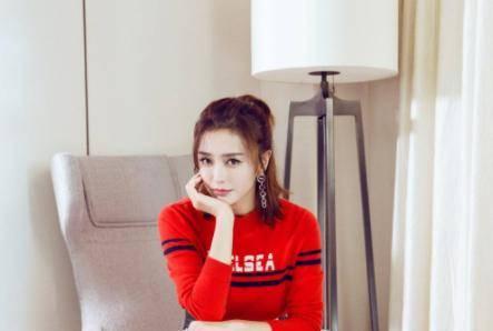 与秦岚相恋4年的陆川 为何转身嫁给了12岁的央视女主播胡蝶?