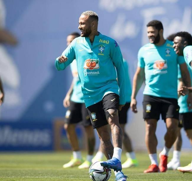 巴西媒体+名宿猛批:对阿根廷应替补!内马尔晒腹肌回应 一夜变瘦