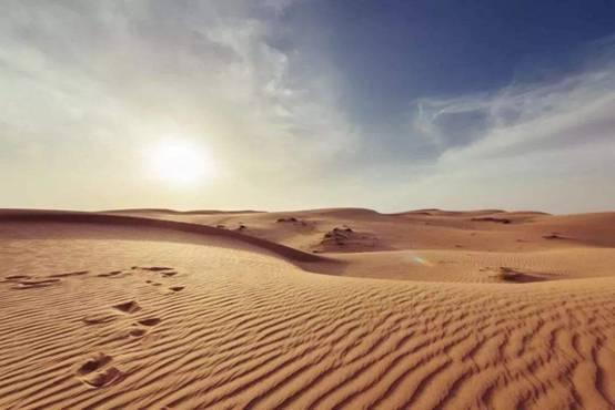 """曾是沙漠无人知晓,如今将""""改名""""成旅游胜地,居民年收入超百万"""
