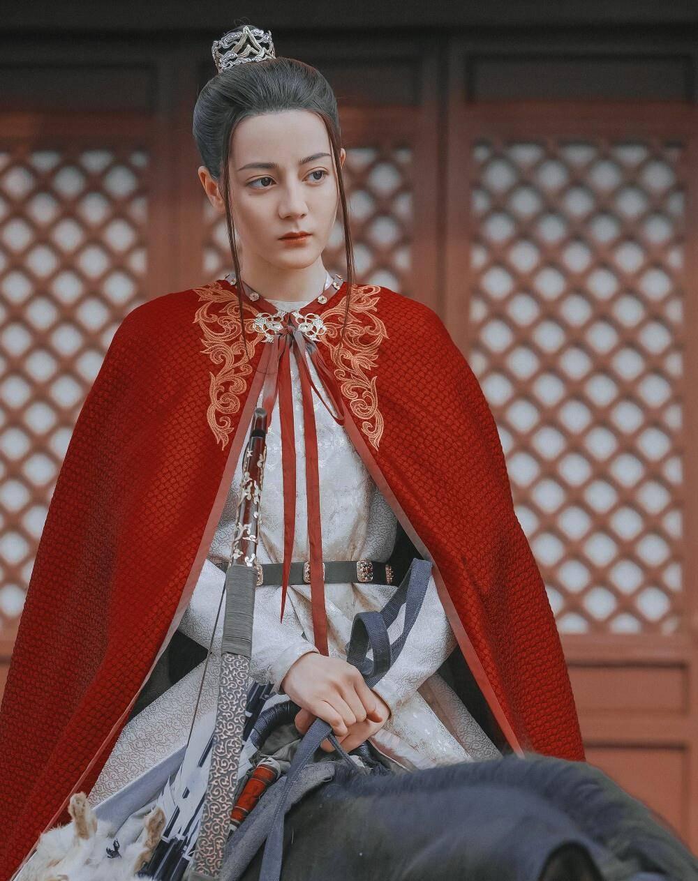 穿越古代当皇妃 穿越男到了古代成皇后