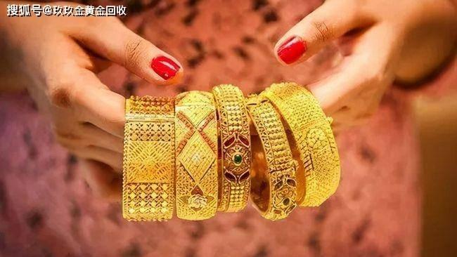 中秋节送妈妈什么珠宝首饰?给妈妈买首饰什么好呢?