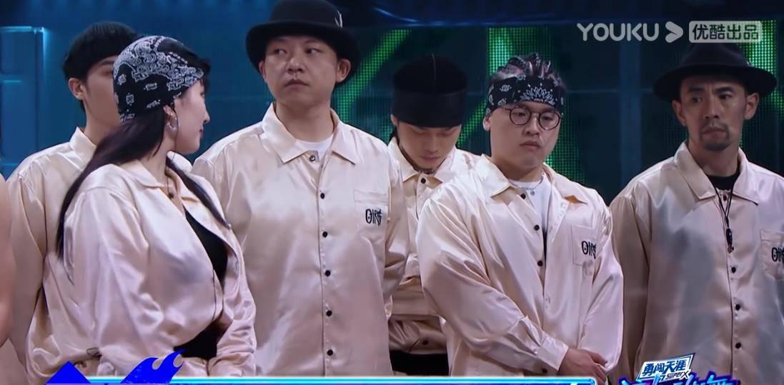 《这就是街舞4》惊现黑幕?外国选手淘汰,范范和黄卉蒙混过关?