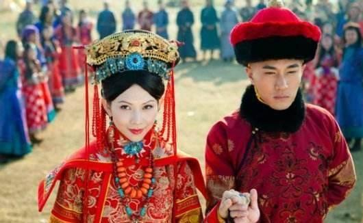 她16岁嫁给皇子,日夜宠幸,连生三胎,成大清第一位皇后
