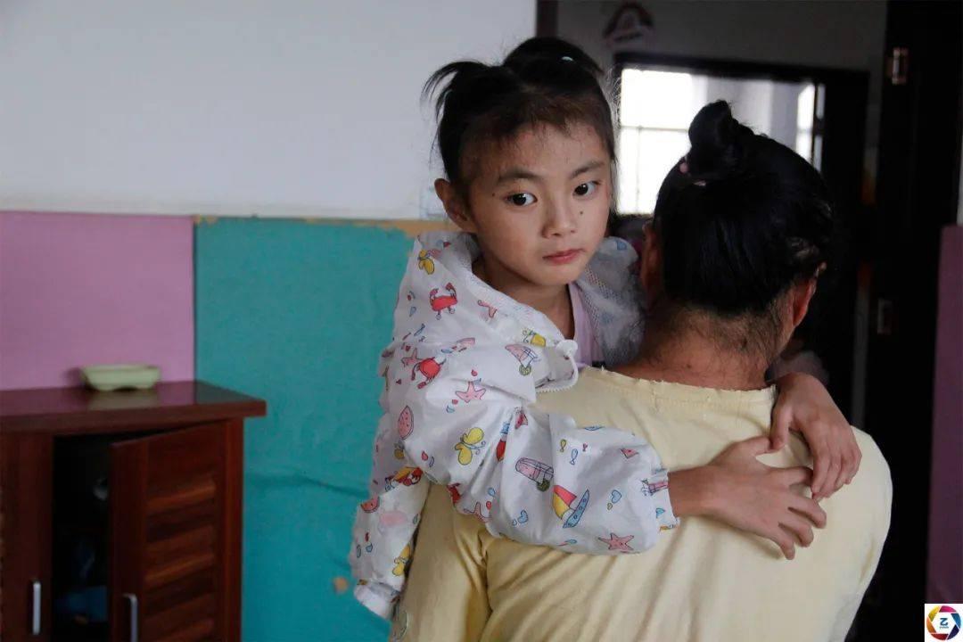养猪场倒闭,幼女早产患病,打工夫妻返乡创业连遭重创苦不堪言