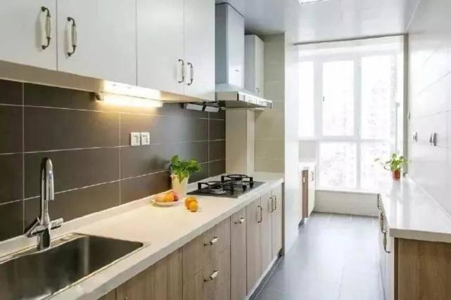 越来越多的人关心厨房的小阳台,究竟该如何利用才不浪费呢?