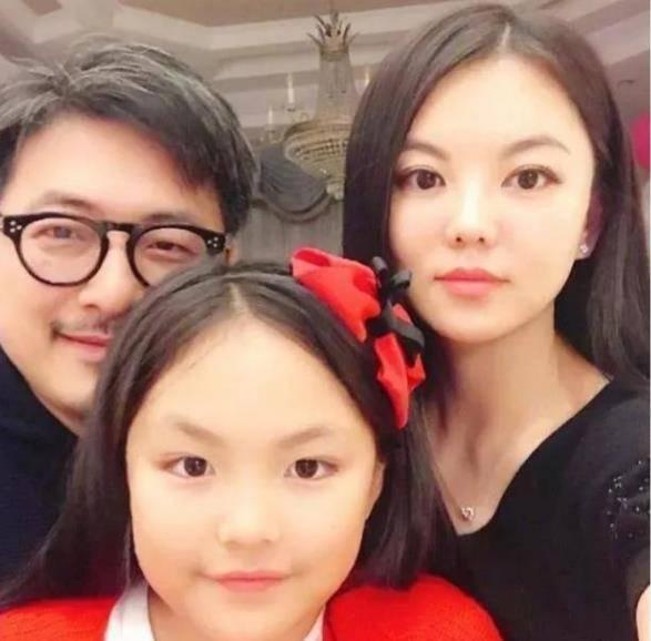 李湘养娃有多费钱?每月花掉一套房,养出来的女儿表现让人意外