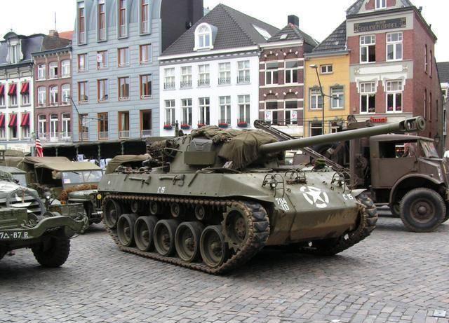 """二战美军M18""""地狱猫""""坦克歼击车:平地飞猫,打不过就跑!"""