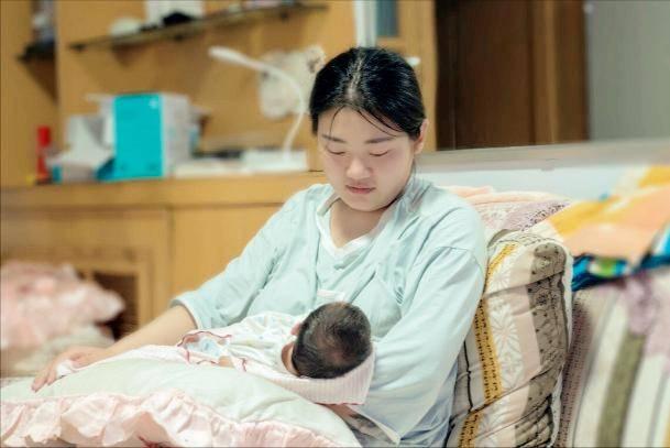 """怀胎十月,宝宝智力发育的3个""""黄金期"""",准妈妈要心里有数"""