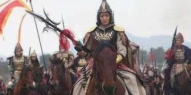 将军带兵回朝,皇帝亲切地问:妻母可好?将军吓得连忙辞官告退