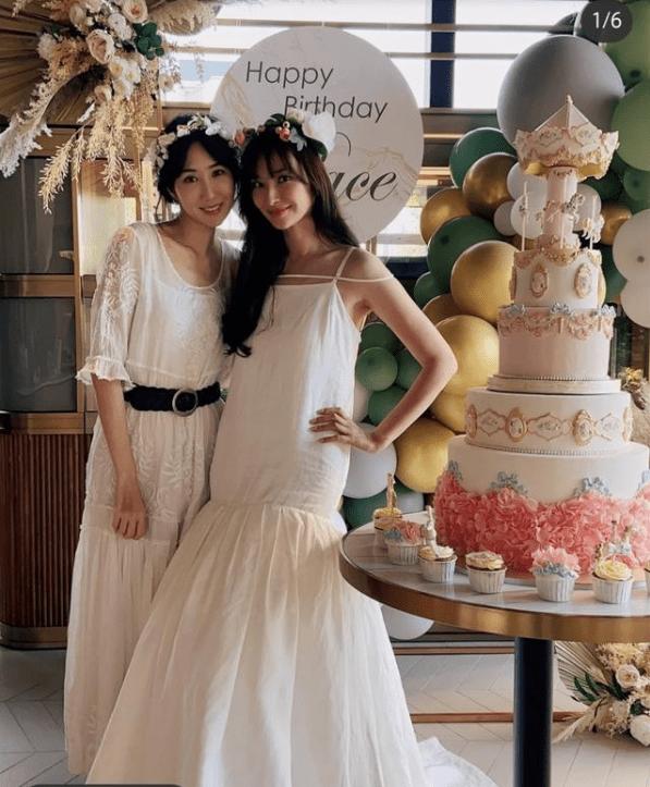 吴佩慈43岁生日,闺蜜晒现场照却不加滤镜,暴露其真实颜值