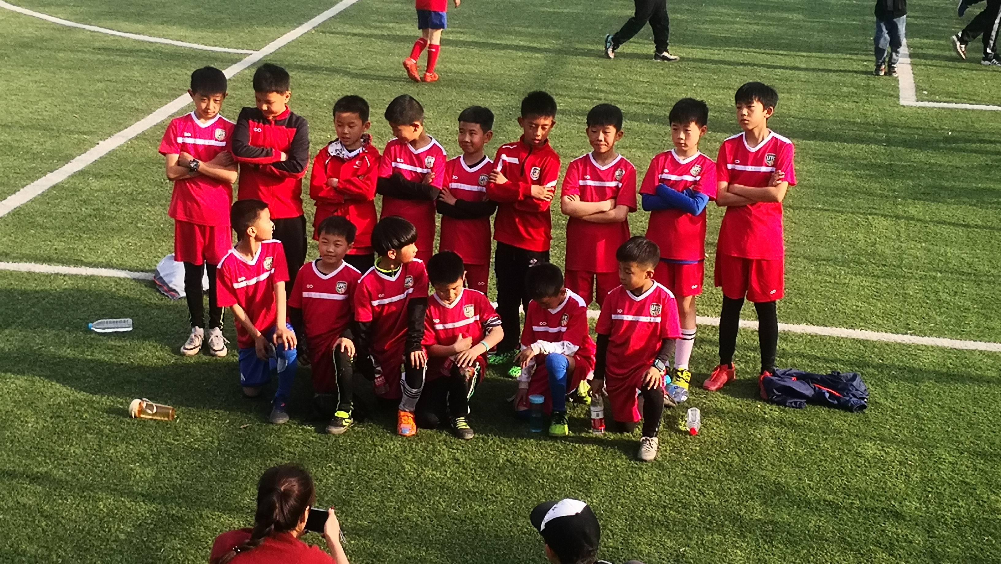 """洛阳市青少年足球联盟""""梁庄嘉年华""""活动成功举办!"""