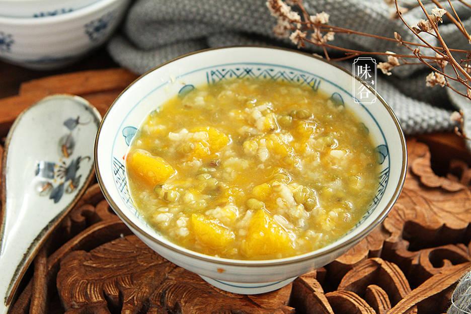 夏天多给家人煮这粥,清热解暑,营养易吸收,天气越热越要喝